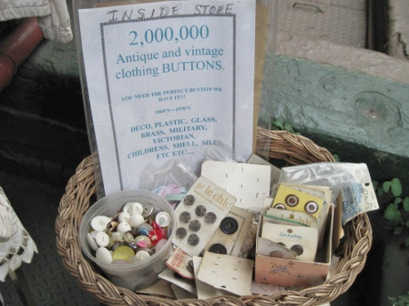 Archangel Antiques claims to have 2 million buttons. Who am I to quarrel?