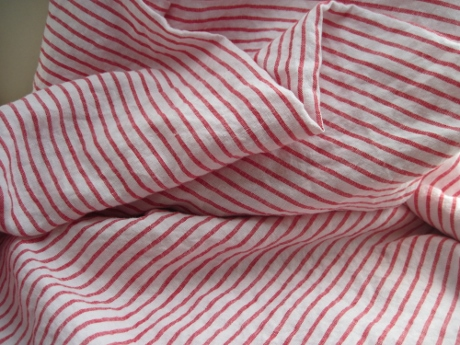 This beautiful linen is dreaming of becoming a custom-made shirt.