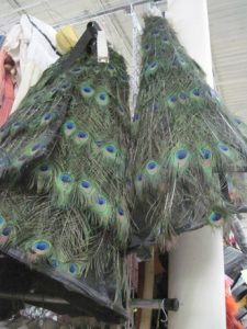 It would never cross my mind to sew with peacock feathers.