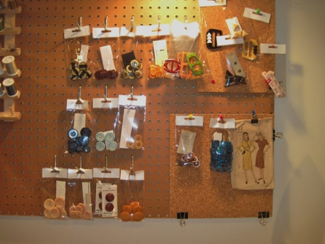 In a few minutes I had created open storage for big part of my decorative stash.