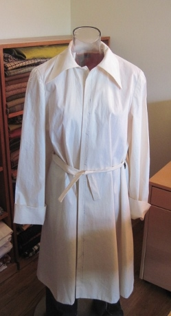 """The muslin of this McCall's """"Misses' Lounging Robe"""" from 1951"""